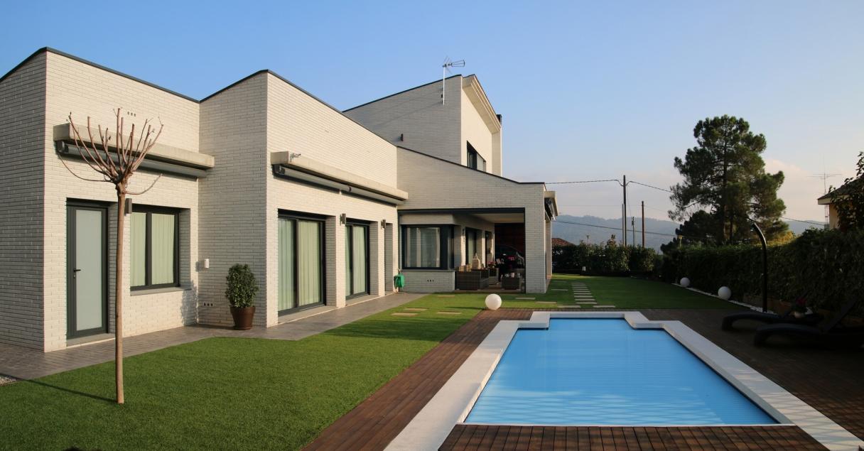 05-303-zona-piscina